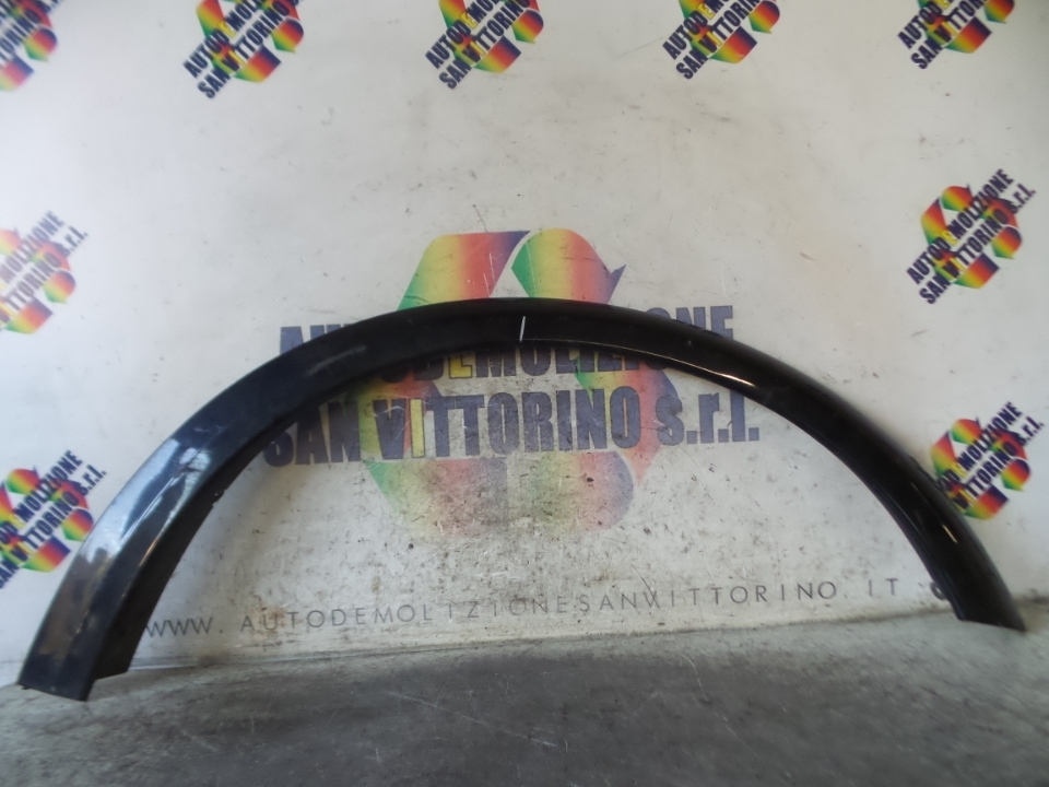 MODANATURA ARCO PASSARUOTA ANT. DX. VOLVO C30 (10/06>)