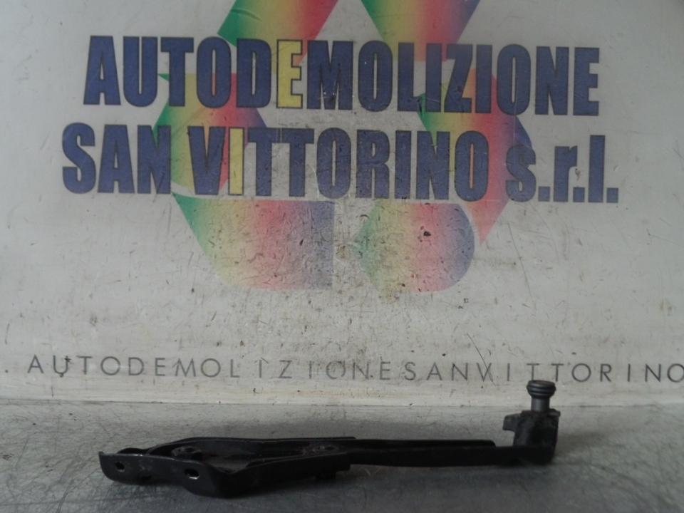 CARRELLO GUIDA SUP. PORTA SCORREVOLE DX. FIAT FIORINO (3N) (10/07>)