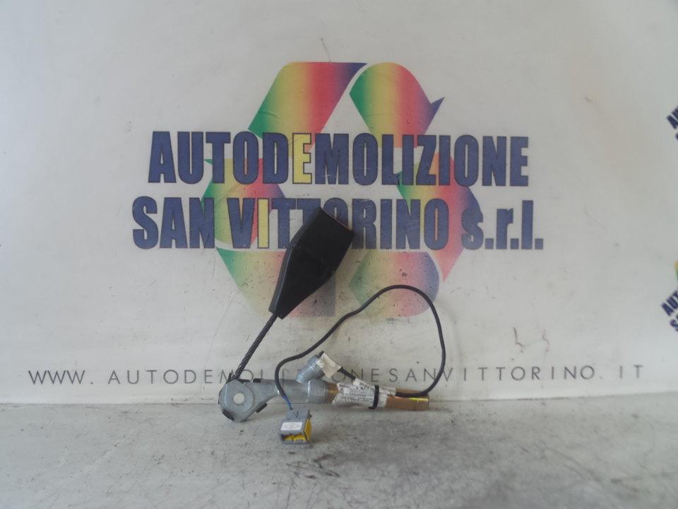 AGGANCIO CINTURA DI SICUREZZA ANT. SX. RENAULT CLIO 2A SERIE (05/01>11/10
