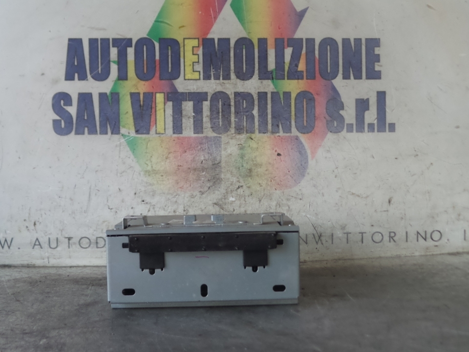 AUTORADIO C/ICE-MID LEVEL CD+AD/FM RADIO FORD FIESTA (CB1) (09/08>)