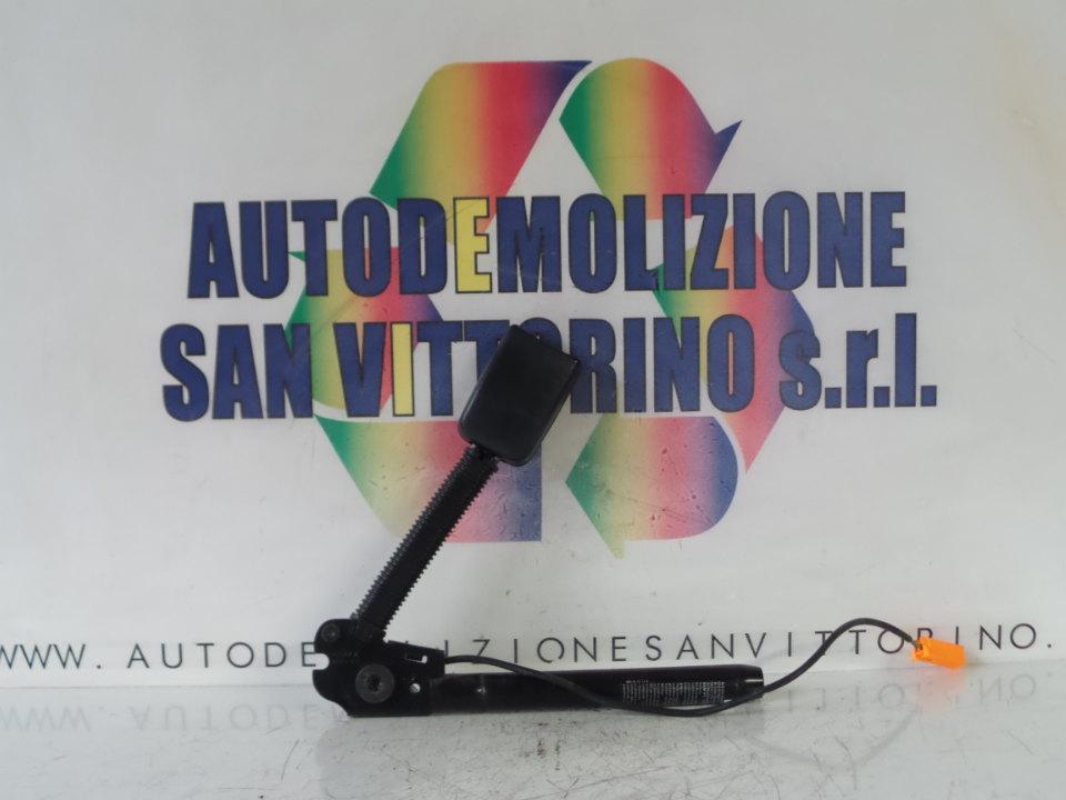 AGGANCIO CINTURA DI SICUREZZA ANT. C/SIST.TENSIONE CINTURE SX. FORD FIESTA (CBK) (12/05>12/08<)