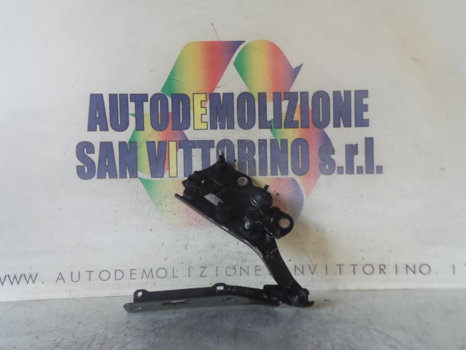 CERNIERA COFANO ANT. C/PROTEZ.PEDONI SX. AUDI A3 (8V) (08/12>)