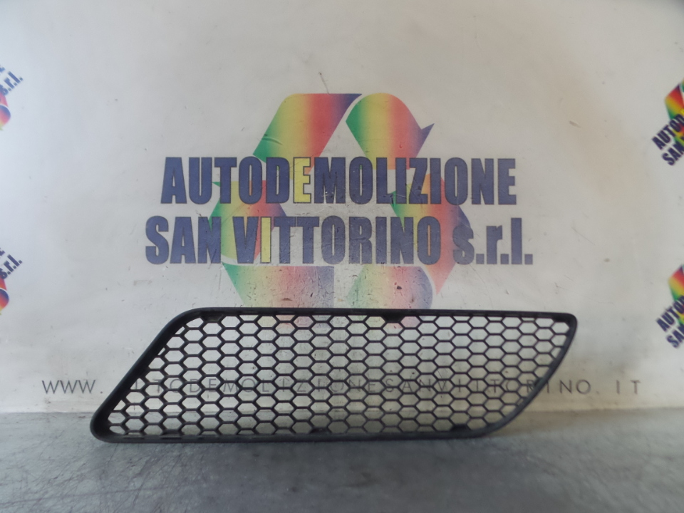GRIGLIA LAT. PARAURTI ANT. SX. ALFA ROMEO 147 (W8) (10/04>07/11