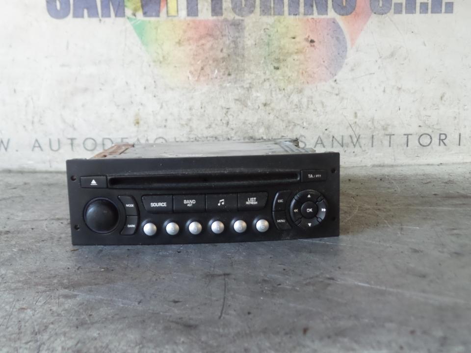 AUTORADIO C/FRONTALINO ESTRAIBILE FIAT SCUDO (3H) (01/07>)