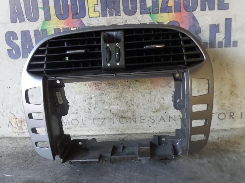 BOCCHETTA ARIA CENTR. CRUSCOTTO FIAT BRAVO (3L) (01/07>03/10