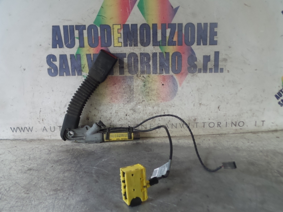 AGGANCIO CINTURA DI SICUREZZA ANT. DX. BMW X5 (E53) (04/00>03/07<)