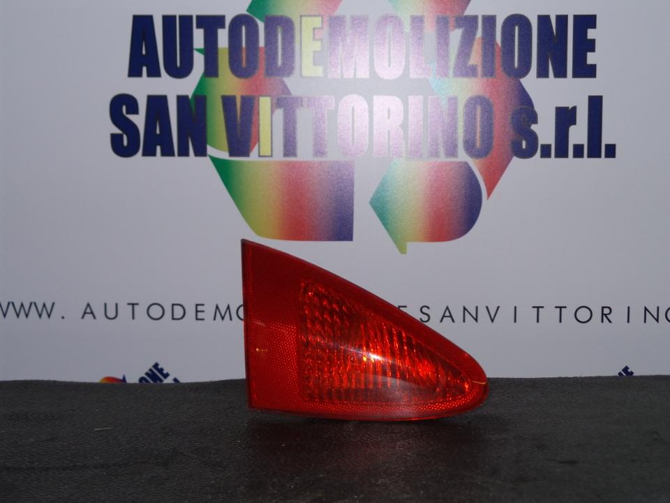 FANALE POST. PARTE INT. SX. ALFA ROMEO 147 (W8) (08/00>01/06<)