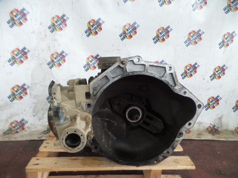 CAMBIO COMPL. CHRYSLER VOYAGER/GRAND VOYAGER (04/04>1