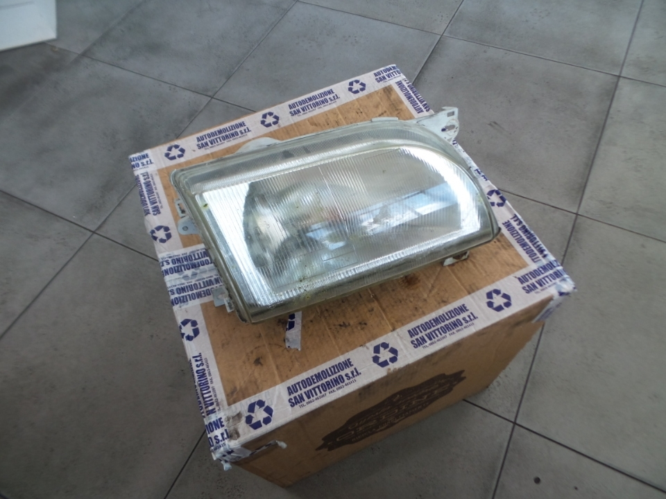 PROIETTORE DX FORD TRANSIT/A0407 91-94