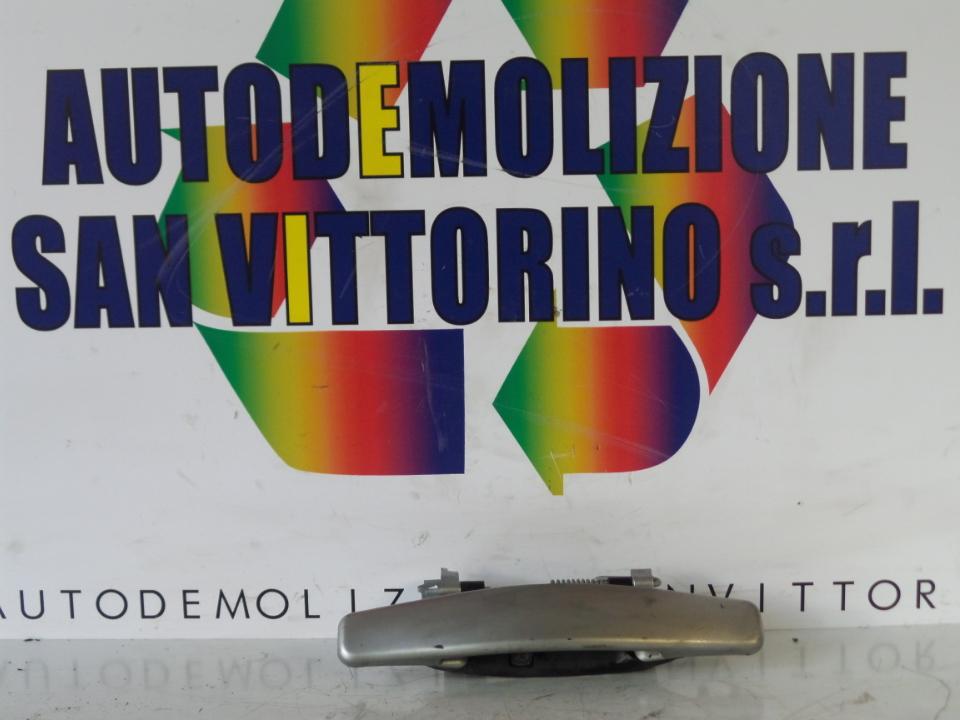 MANIGLIA PORTA POST. DX. DACIA SANDERO (07/08>)