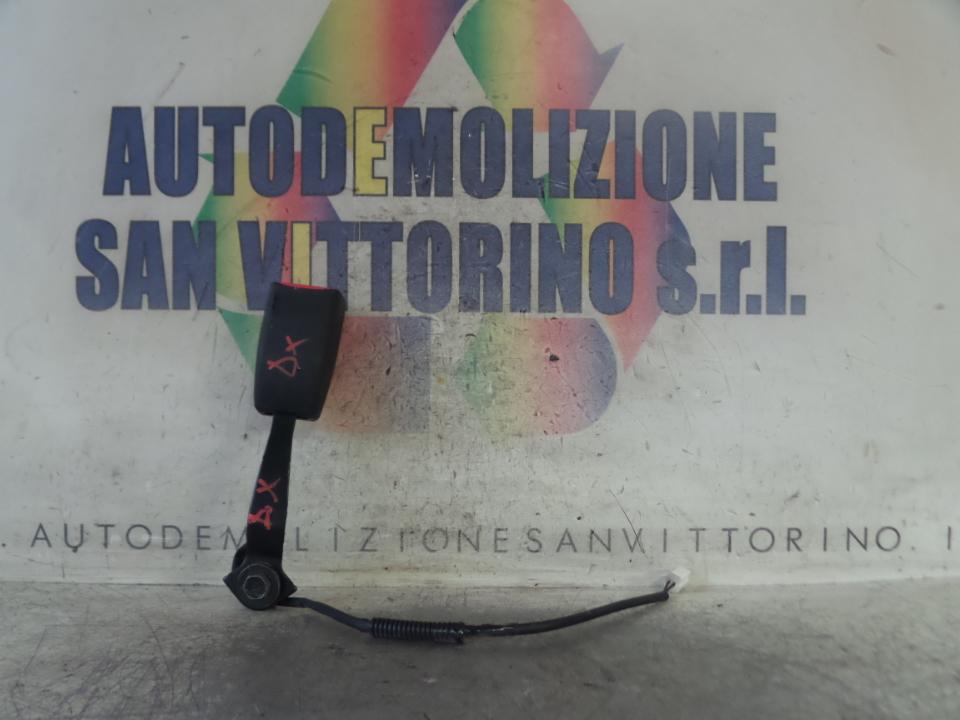AGGANCIO CINTURA DI SICUREZZA ANT. DX. MAZDA MAZDA 2 2A SERIE (08/07>12/14