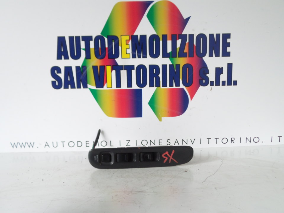 INTERRUTTORE ALZACRISTALLI PORTA ANT. SX SUZUKI SWIFT (02/92>02/01<)