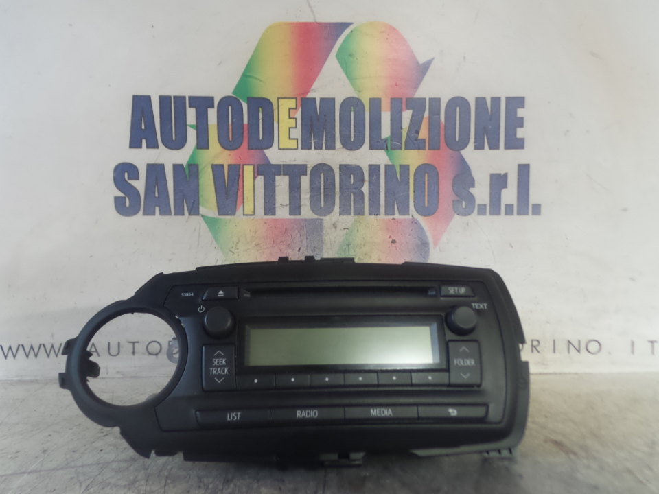 AUTORADIO C/RADIO PANAOSNIC 6 ALTOPARLA. TOYOTA YARIS (09/11>)