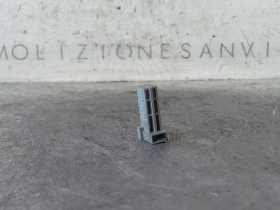 INTERRUTTORE LUCI STOP MERCEDES-BENZ CLA SW (X117) (01/15>)