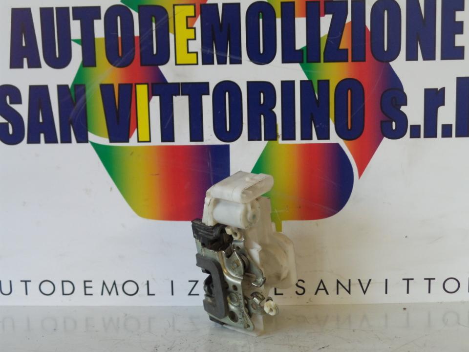 SERRATURA CHIUSURA C.ZTA PORTA ANT. DX. FIAT PUNTO (2U) (07/03>01/07<)