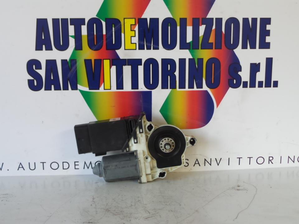 MOTORINO ALZACRISTALLO PORTA ANT. DX. VOLKSWAGEN NEW BEETLE (1C) (02/99>)