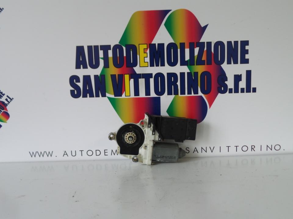 MOTORINO ALZACRISTALLO PORTA ANT. DX. VOLKSWAGEN GOLF (1J) (09/97>03/06<)