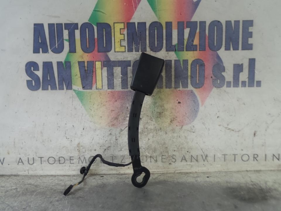 AGGANCIO CINTURA DI SICUREZZA ANT. DX. VOLKSWAGEN GOLF (10/12>)