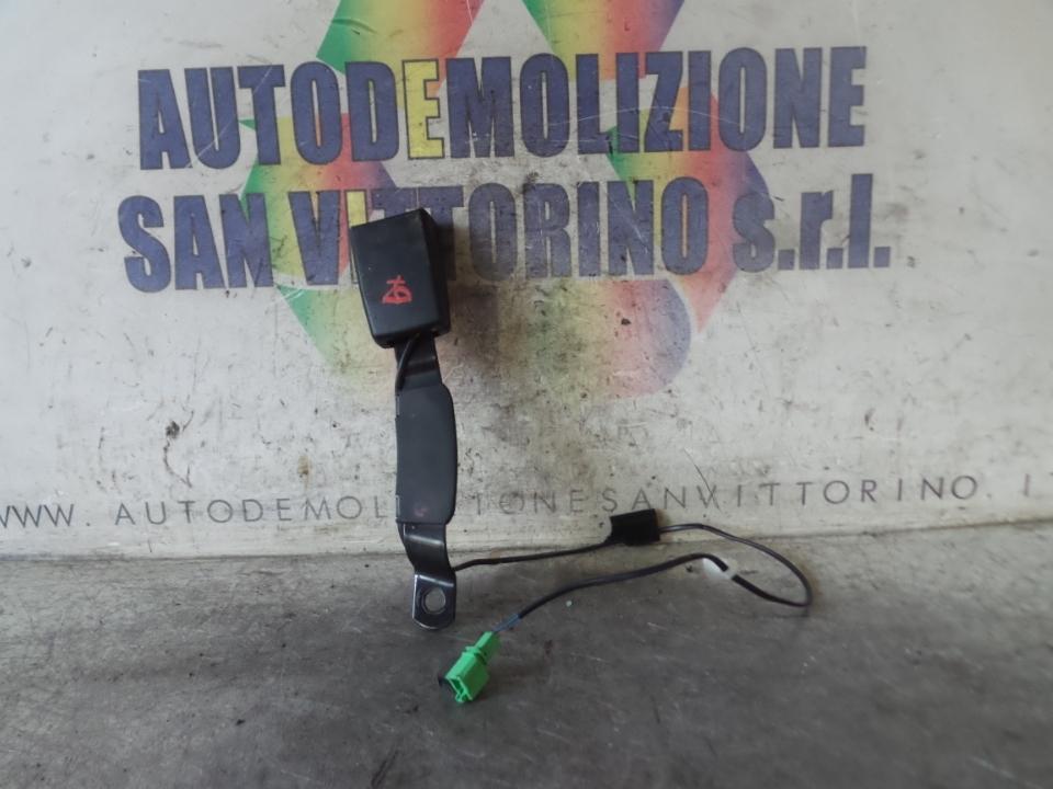 AGGANCIO CINTURA DI SICUREZZA ANT. DX. VOLKSWAGEN POLO (6R) (05/09>)
