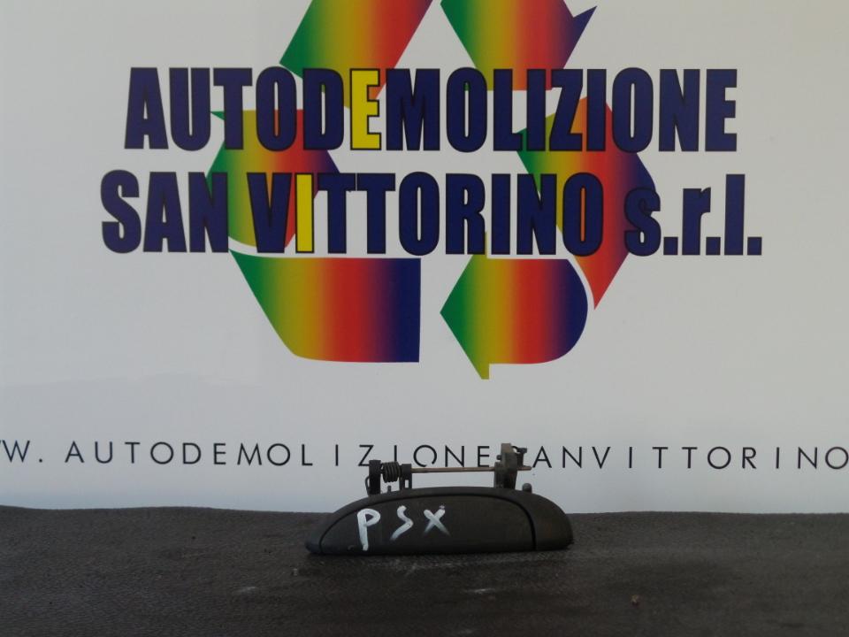 MANIGLIA PORTA POST. SX. RENAULT CLIO 2A SERIE (04/98>04/01<)