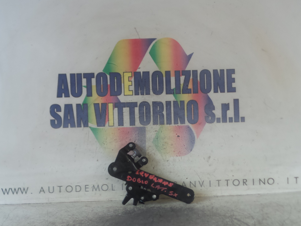 CARRELLO GUIDA INF. PORTA SCORREVOLE SX. FIAT DOBLO CARGO (4V) (01/15>)