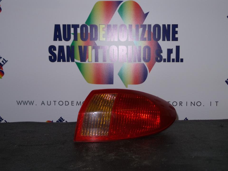 FANALE POST. PARTE EST. DX. ALFA ROMEO 147 (W8) (08/00>01/06<)
