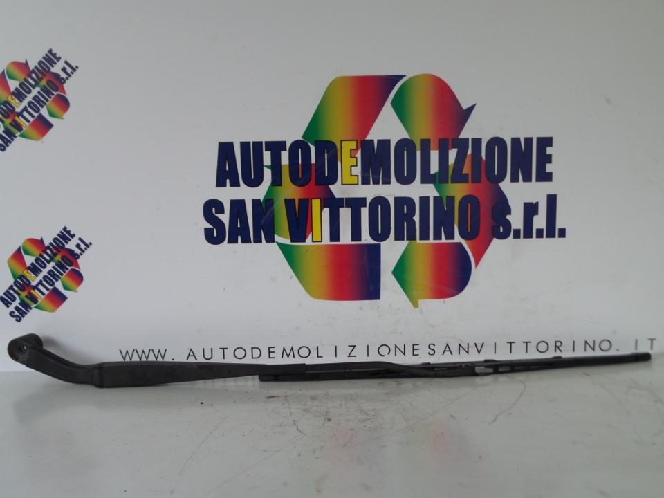 BRACCIO TERGIPARABREZZA DX. MITSUBISHI L200 (02/06>)