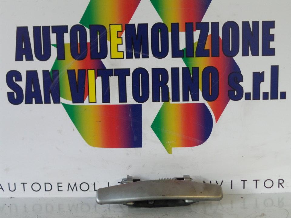 MANIGLIA PORTA ANT. DX. DACIA SANDERO (07/08>)