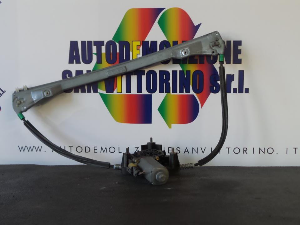ALZACRISTALLO ELETTR. PORTA ANT. CON MOTORINO DX. RENAULT CLIO 2A SERIE (04/98>04/01<)