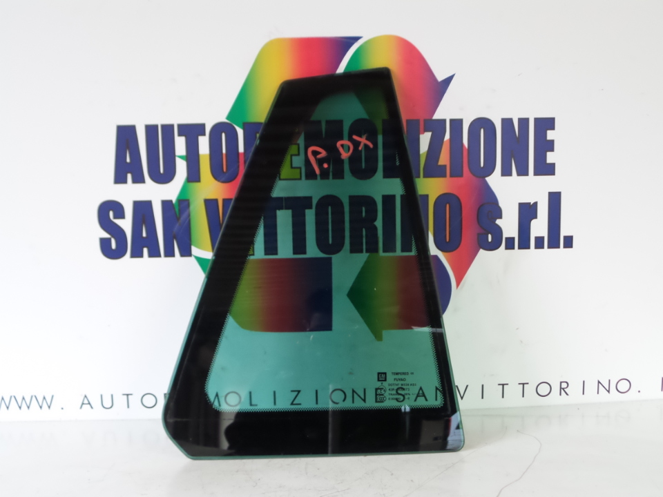 FISSO PORTA POST. OSCURATO DX. OPEL INSIGNIA (G09) (12/08>)